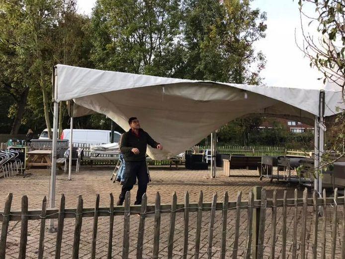 Vorige week zijn de tenten van kinderboerderij Vechtse Hoeve verwijderd.