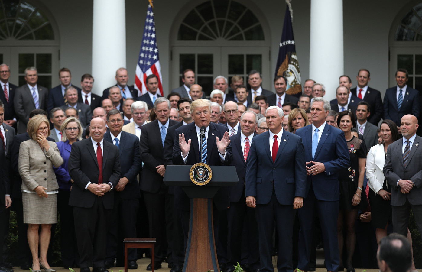 Huis stemt nipt v r wet ter vervanging van obamacare foto - Naar beneden meubels huis ter wereld ...