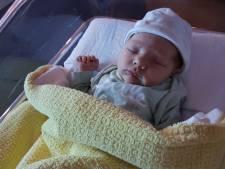 Achterhoekse nieuwjaarsbaby is thuis, kersverse vader krijgt meteen 5 dagen verlof
