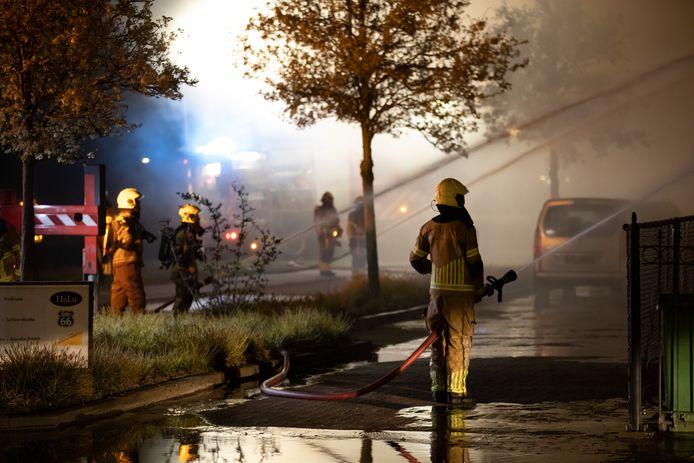De brand in de wijk Vijfhuizenberg was uitslaand, waardoor er groot opgeschaald werd.