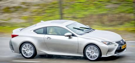 Autodealer wil 'koper' die dure Lexus niet betaalde laten gijzelen