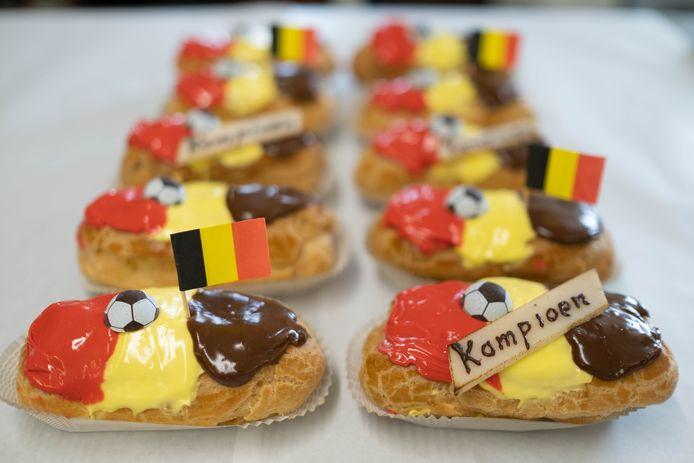 Bakker Jos Anthonis maakte tricolore gebak: de eclairs waren snel uitverkocht.