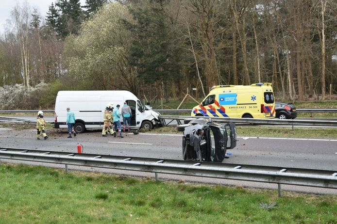 Door een ernstig ongeluk was de A32 bij Steenwijk in noordelijke richting helemaal dicht.