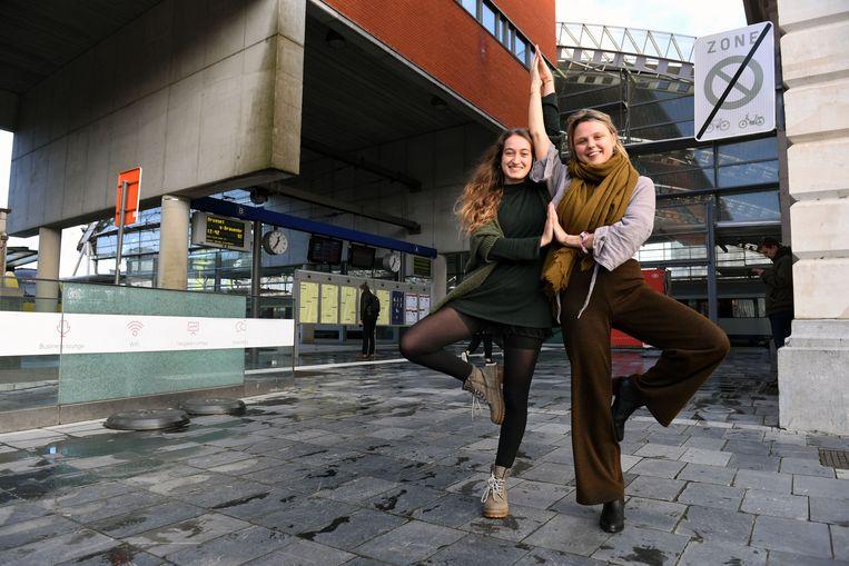 Cloé Ferrari en Olivia Dotremont lanceren Yoga Station
