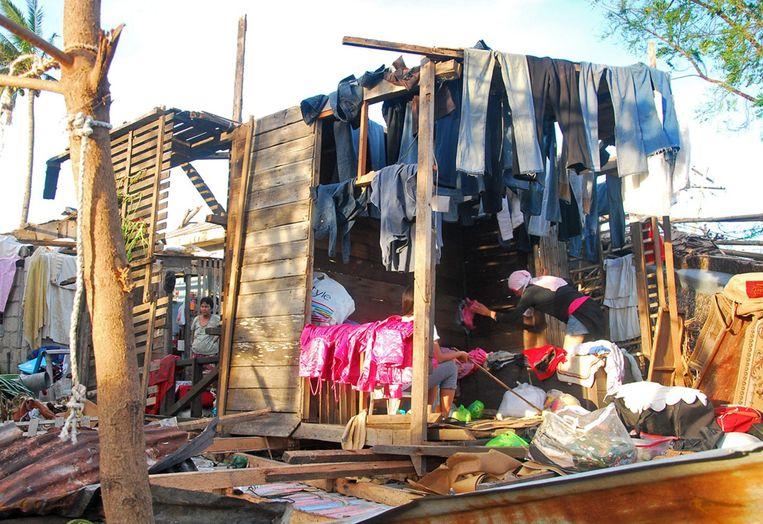 De restanten van een huis op het eiland Bantayan. Beeld epa