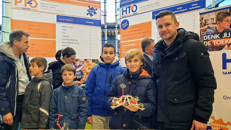 Bezoekers van de scholenbeurs in Turnhout.
