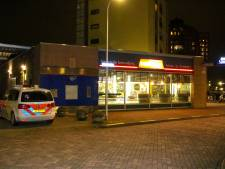 Man met steekwapen overvalt snackbar in Capelle