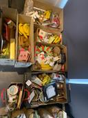 Van alle gekregen spullen werden kerstpakketten gemaakt.