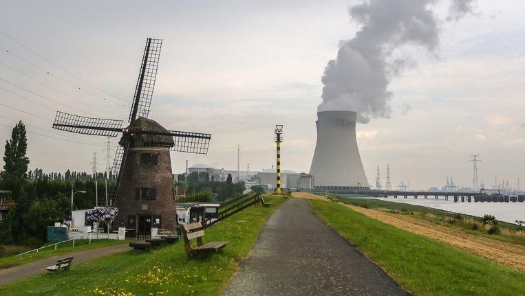 Zicht op de kerncentrale van Doel. Beeld EPA