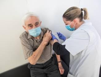 Deze symptomen kunnen mogelijk wijzen op bijwerking na AstraZeneca-vaccin
