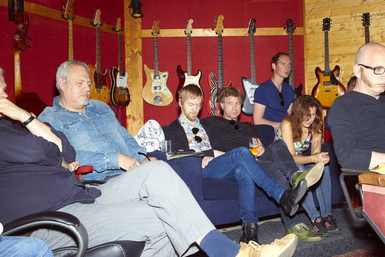 JW Roy's muzikanten in de studio Beeld Daniel Cohen