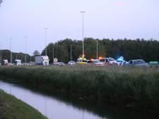 Snelweg A73 bij Nijmegen uur dicht na ongeluk met meerdere auto's