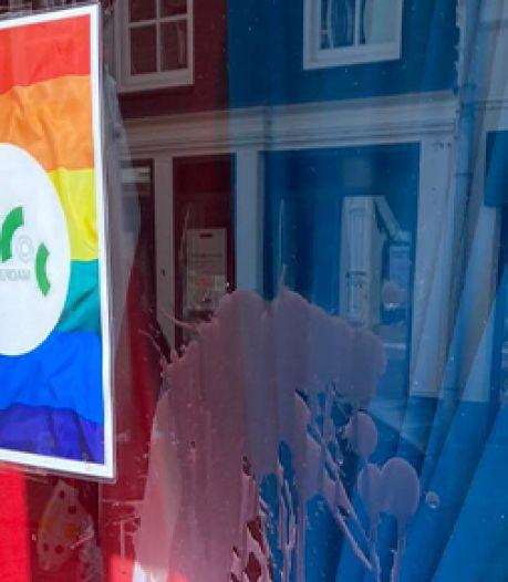 Etalage COC-pand Gorinchem besmeurd, organisatie gaat aangifte doen