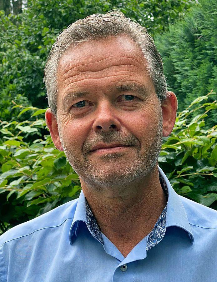 Stef Schuijt verhuist van het stadhuis in Arnhem naar Naktuinbouw, waar hij directeur wordt