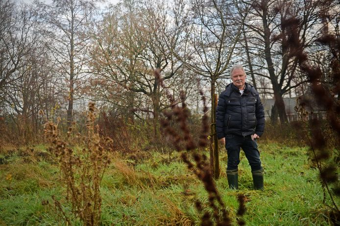 Willem Bokhove richt de omgeving van Het Seminar in met onder meer een moestuin, bloemenweide en boomgaard, zodat het restaurant alle ingrediënten van eigen grond kan halen.