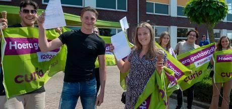 Yes, diploma binnen! Examenleerlingen Steenspil in Halsteren zijn geslaagd