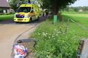 De man is met spoed overgebracht naar het ziekenhuis in Tilburg.