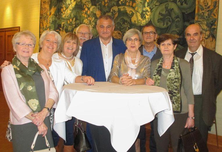 Dirk Otte wordt feestelijk gehuldigd voor zijn lange staat van dienst in de provincieraad.
