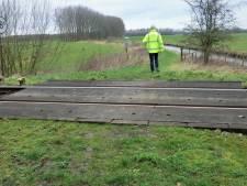 Deze onbeveiligde spoorwegovergang op de MerwedeLingelijn wordt verwijderd