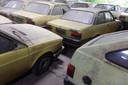 Bijna honderd taxi's raakten in de vergetelheid nadat ze begin jaren 90 bumper aan bumper werden weggezet in een veeschuur.