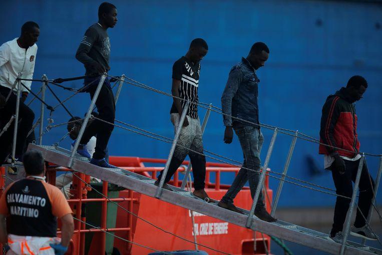 Europese Raadsvoorzitter Donald Tusk wil dat economische migranten de toegang tot de EU ontzegd worden nog voor ze voet op EU-grondgebied hebben gezet.  Beeld REUTERS