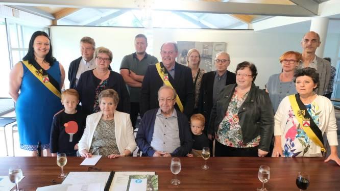 Rosa (80), vrijwilligster in rusthuis De Korenbloem, viert diamanten bruiloft met accordeonist André (81)