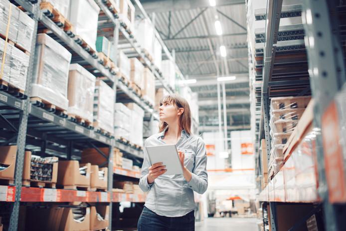 Online supermarkt Picnic noemt orderpickers in het magazijn 'Personal Shoppers'.