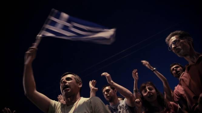 Papandreou legt EU-akkoord in handen van bevolking