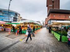 Enschedese warenmarkt in diep dal; nieuwe testmaatregel houdt Duitsers thuis