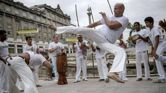 Van rustgevende yoga tot Braziliaans 'vechtdansen': gratis sportinitiaties voor kinderen op Frans Halsplein en Dageraadplaats