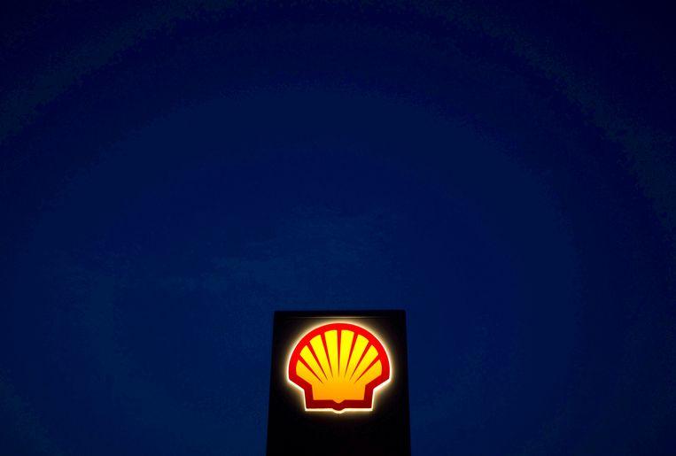 Het logo van Shell. In 2020 leed het bedrijf een verlies van 21,7 miljard dollar als gevolg van coronacrisis. Beeld REUTERS