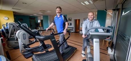 Fysiotherapeut en podoloog Hans Muijderman uit Amsterdam werd in Lattrop driekwart Tukker: 'Afscheid vol emoties'