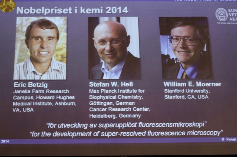 Van links naar rechts: Eric Betzig, William Moerner en Stefan Hell. Beeld ap