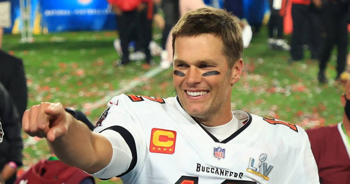 NFL-icoon Brady (43) verlengt contract en gaat voor achtste Super Bowl - AD.nl