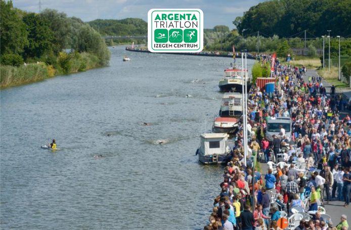 De jaarlijkse triatlon in Izegem lokt jaarlijks enkele duizenden toeschouwers, onder meer langs de vaart. Sowieso was het dit jaar een editie zonder publiek geworden maar ook dat zal niet het geval zijn.