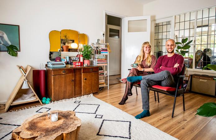 Ruud van Halder en Eline Ivo wonen sinds anderhalf jaar aan de Peppelweg in de Rotterdamse wijk Schiebroek.