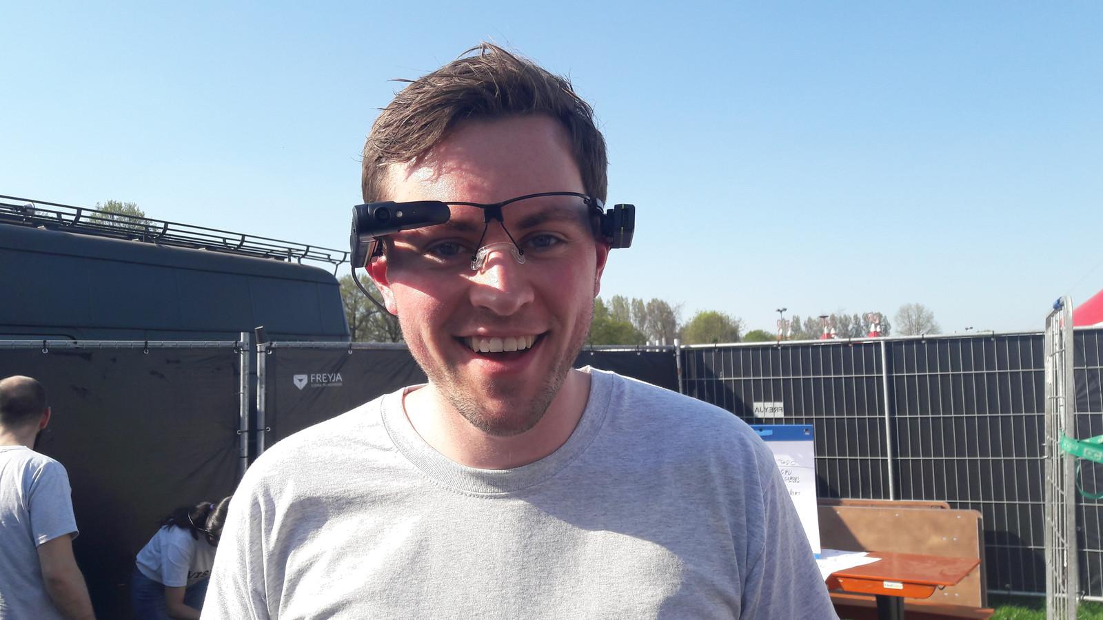 Een van de smartglasses die datastudenten van JADS uit Den Bosch gebruiken voor experimenten op het gebied van veiligheid op Paaspop.
