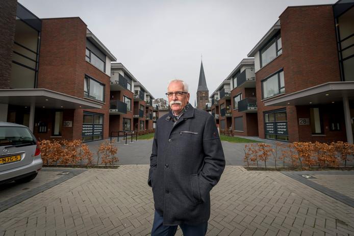 Directeur-bestuurder  Henny Manrho van Woningcorporatie Wonen Delden gaat met pensioen.