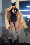 Madonna a créé la surprise aux VMAs.