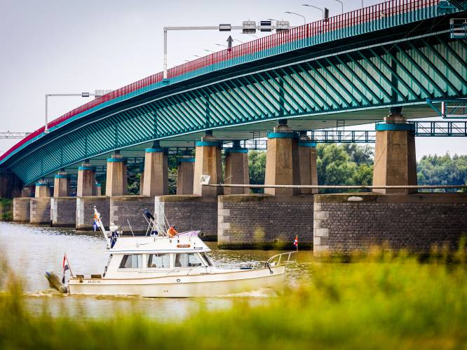 Werkgevers verbijsterd over maatregelen bij Haringvlietbrug: 'Absoluut onacceptabel'