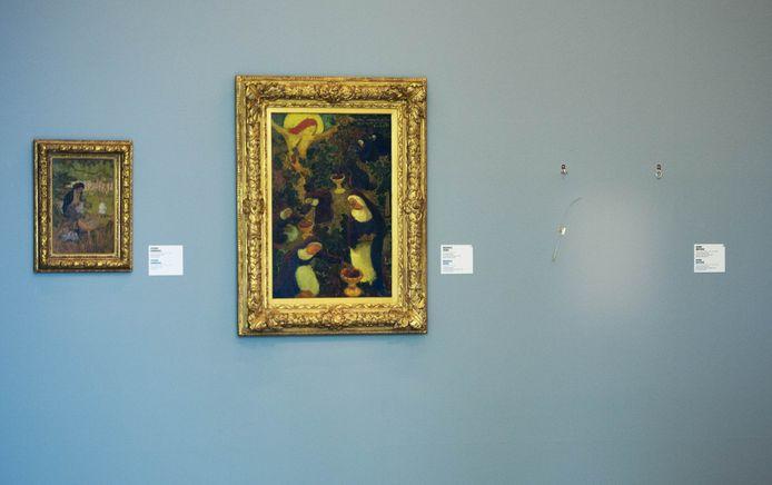 Een witte vlek markeert de plek waar een van de gestolen schilderijen hing in de Kunsthal.
