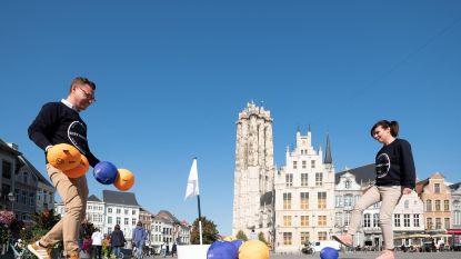 Verken Mechelen eens... al voetballend