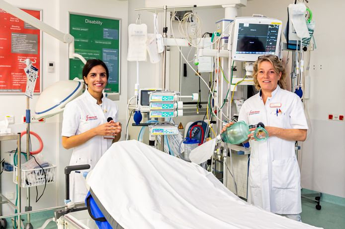 Arts-onderzoeker/cardiologie Yaar Aga (links) en haar collega kinderarts Jacintha Verhallen van het Franciscus Gasthuis & Vlietland in Rotterdam: