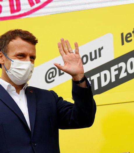 """Pass sanitaire étendu en France: Macron dénonce le """"cynisme politique"""" de ceux qui crient à la """"dictature"""""""