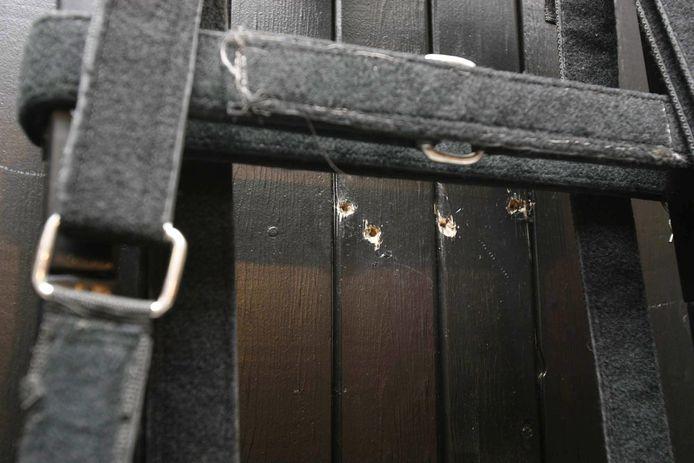 Een executie door middel van een vuurpeloton is voor het laatst gebeurd in 2010 in de staat Utah bij de terechtstelling van Ronnie Lee Gardner (49). Achteraf zijn enkele foto's vrijgegeven. Vier kogelgaten zijn zichtbaar achter de executiestoel.