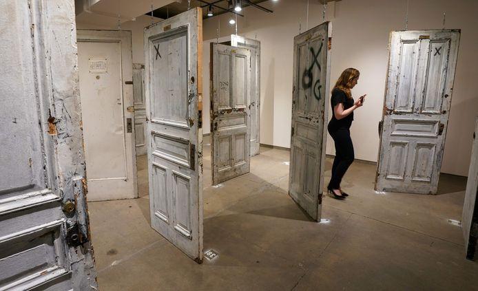 De deuren van het Chelsea Hotel in New York worden geveild