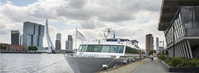 Het hotelschip van de Zonnebloem blijft in de vaart