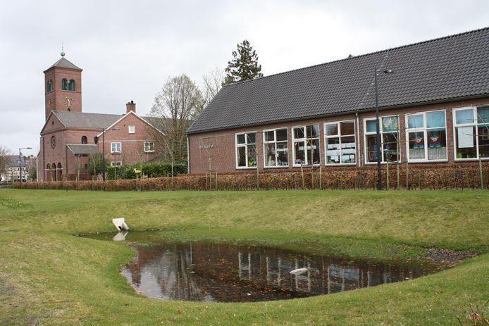 In hartje Huijbergen ligt al een wadi als waterberging. De gemeente Woensdrecht wijst inwoners nu op subsidiekansen om ook kleinschalige waterinitiatieven te nemen in hun eigen wijk of dorp.