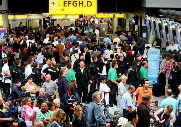 Het eerste halfjaar reisden er meer passagiers via Schiphol dan vorig jaar.