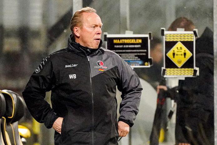 14-12-2020: Voetbal: Roda JC v Helmond Sport: Kerkrade (L-R) Head Coach Wil Boessen of Helmond Sport wearing rainbow flag pin